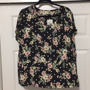 NWT Black Floral Everleigh Short Sleeved Blouse